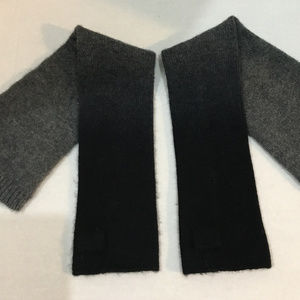 VINCE. Cashmere Gray Black Thumb Arm Warmers MINT